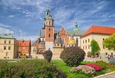 Wawel domkyrka av Wawel den kungliga slotten, Krakow, Polen Arkivbild
