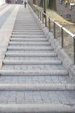 Wawel för trappa upp till kulle; Krakow Arkivfoto