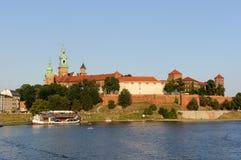 Wawel - königliches Schloss über der Weichsel in Krakau Stockfoto