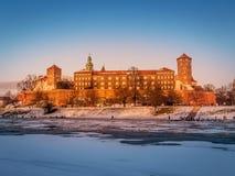 Wawel-Schloss in der Winterzeit lizenzfreie stockbilder