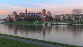 Wawel slott på solnedgången Royaltyfria Foton