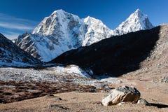 Way to Everest base camp. Beautiful mountains on the way to Everest base camp - Mt Cholatse, Tabuche peak and Arakam Tse - Nepal Royalty Free Stock Photos
