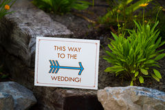This Way To The Wedding Sign Royalty Free Stock Photography