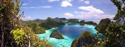 Wayag Insel-Panorama Stockfotos