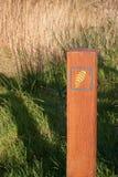 Waymarker del sentiero per pedoni Immagini Stock