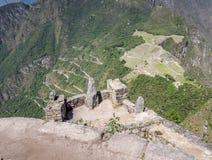 Wayna Picchu, Peru 29 de maio de 2012: Vista de Machu Picchu da parte superior de Wayna Picchu Fotografia de Stock Royalty Free