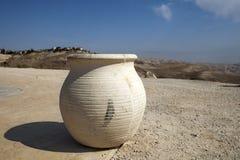 Waza przed widokiem piaski Judejska pustynia Zdjęcia Stock