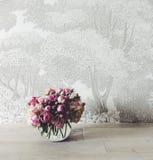 wazowe szklane róże Fotografia Royalty Free