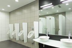 WC för män fotografering för bildbyråer