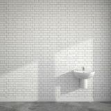 WC-ruimte met wasbassin bij lege muur van bakstenen Royalty-vrije Stock Afbeeldingen