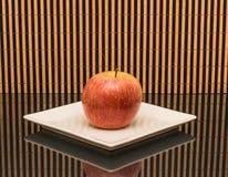 Wciąż życie czerwony jabłko Obrazy Stock