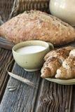 Wciąż życie z chlebem i mlekiem Zdjęcie Stock
