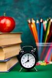 Wciąż życie z szkolnymi książkami tylna szkoły Fotografia Royalty Free