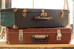 Wciąż L: ife z Starymi walizkami obrazy stock