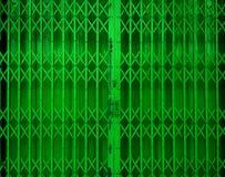 Wciąganej falcowanie zieleni drzwiowa brama obrazy royalty free
