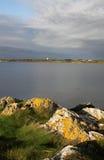 Wczesnego poranku krajobraz, cztery mil most, Anglesey zdjęcia stock
