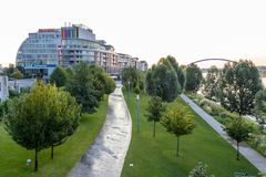 Wczesnego poranku obrazek Eurovea centrum handlowe Bratislava obraz stock