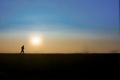 Wczesnego poranku osamotniony jogger Zdjęcia Royalty Free