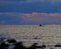 wczesnego wieczór kajaka jezioro pokojowy Obraz Stock
