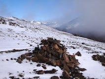 Wczesny jesień śnieg w górach Navarino wyspa, prowincja chilijczyk Antarctica, Chile Obrazy Stock
