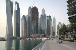 Wczesny poranek i panorama Dubaj drapacze chmur Zdjęcie Stock