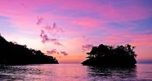 Wczesny poranek nad morzem karaibskim, wschód słońca Obrazy Royalty Free