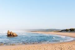 Wczesny poranek plażowa scena przy Buffelskop Zdjęcie Royalty Free