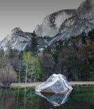 Wczesny poranek przy Lustrzanym jeziorem, Yosemite park narodowy Obrazy Stock