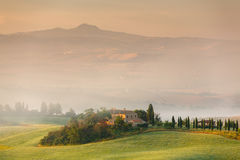 Wczesny poranek w Tuscany, Włochy fotografia stock
