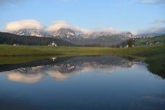 Wczesny poranek wiosny panorama Durmitor góra fotografia stock