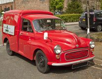 Wczesny Royal Mail doręczeniowy samochód dostawczy, ostatnio wznawiający Obrazy Royalty Free