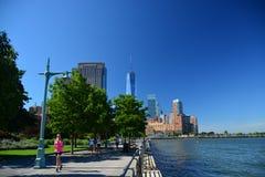 Wczesnych poranków biegaczów Bateryjnego parka miasta deptak, NYC Fotografia Royalty Free