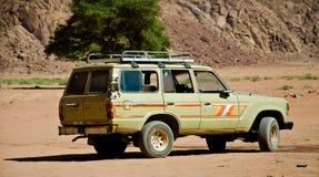 4WD an der Wüste Stockfotografie