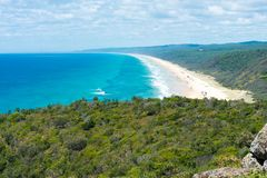 4wd vehicles at Rainbow Beach with coloured sand dunes, QLD, Australia Stock Images