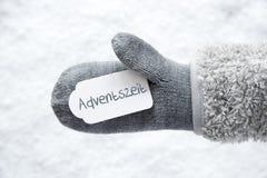 Wełny rękawiczka, etykietka, śnieg, Adventszeit Znaczy Adwentowego sezon fotografia stock