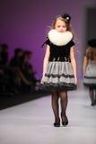 wear för snowimage för barnklänningmodell Arkivfoto