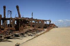 Weark sur une plage sablonneuse Photos stock