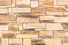 Weathered向木背景和选择材料扔石头 免版税库存图片