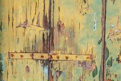 Weathered покрасил панели с ржавыми шарнирами. Стоковые Изображения RF