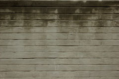 Weathered befleckte alten weißen Backsteinmauerhintergrund Beschaffenheit einer alten Wand mit vielen Reihen von weißen Ziegelste Stockbilder