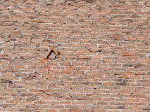 Weathered befleckte alten Ziegelstein im Freien Lizenzfreie Stockbilder