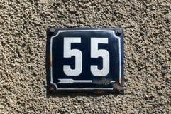 Weathered emaillierte Kennzeichen 55 Stockfotografie