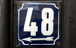 Weathered esmaltou a placa número 48 Imagens de Stock Royalty Free
