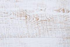 Weathered a fissuré le fond en bois peint par blanc Photos libres de droits