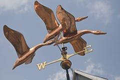 weathervane стаи уток Стоковая Фотография RF