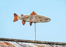 Weathervane saumoné atlantique en bois photos libres de droits
