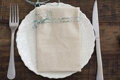 weave вектора плиток скатерти ложки силуэтов установки ресторана имеющейся плиты места меню ножа холстинки вилки еды конструкции  Стоковое Фото