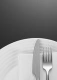weave вектора плиток скатерти ложки силуэтов установки ресторана имеющейся плиты места меню ножа холстинки вилки еды конструкции  Стоковые Фотографии RF
