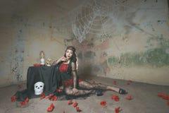 Web de aranha da mulher da bruxa imagem de stock