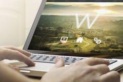 web design en ligne de calcul à la maison Images stock